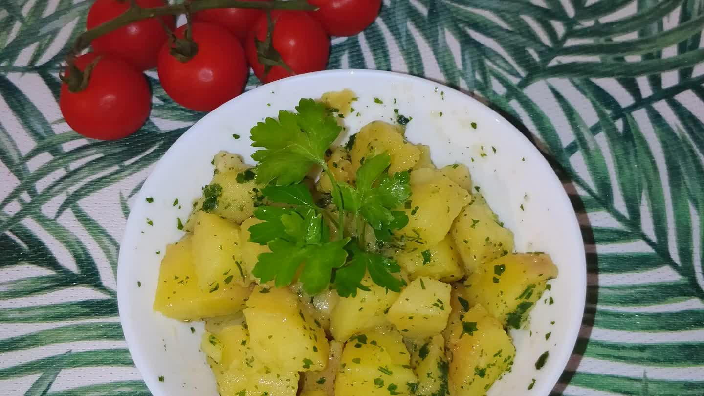 Ricetta di insalata di patate contadina video di domizia for Cucinare x celiaci